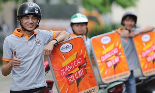 Tăng thu nhập mỗi tháng nhờ quảng cáo trên xe máy