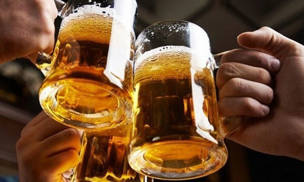 Cấm bán rượu bia trên mạng: Có giúp giảm tác hại rượu bia?