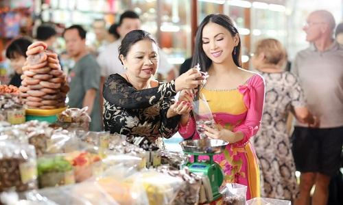 Người Việt đi mua sắm để giải trí và mua sắm những nhu yếu phẩm hàng ngày