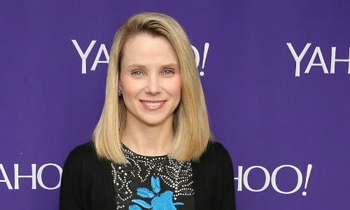 Cựu CEO Yahoo kiếm hơn 900.000 USD mỗi tuần