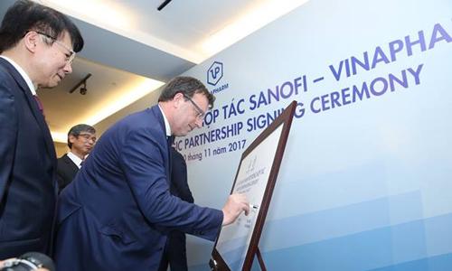 Sanofi Việt Nam và Vinapharm hợp tác chiến lược song phương