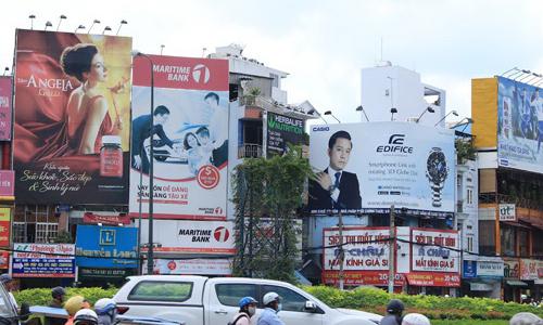 """Luật chồng chéo """"hành"""" doanh nghiệp quảng cáo"""