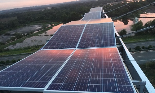 Giải pháp dùng năng lượng mặt trời của nhà quảng cáo Bizman
