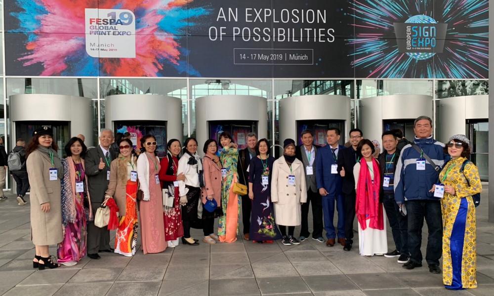 Đoàn doanh nhân VAA tham dự Triển lãm FESPA Quốc tế 2019 tại Munich, Đức