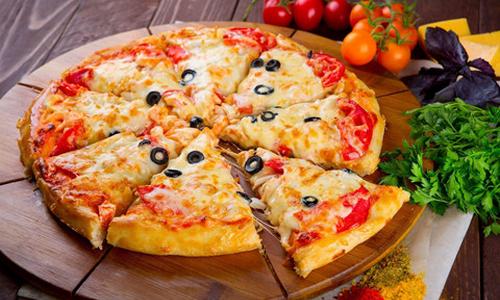 Thua lỗ triền miên, các hãng pizza vẫn bơm vốn giành thị phần Việt