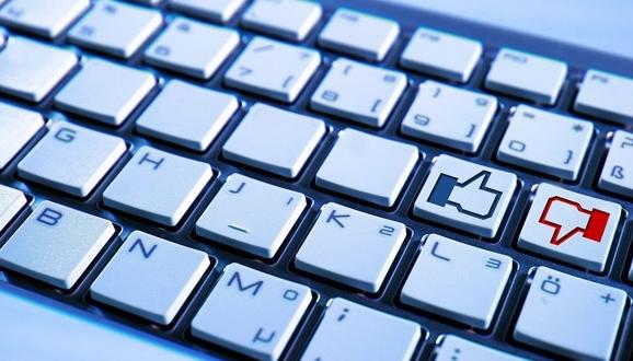 Giữ khách hàng bằng phản hồi riêng trên mạng xã hội