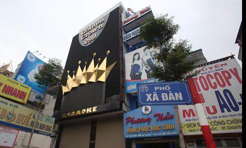 Hà Nội kêu khó xử lý biển quảng cáo vi phạm tại sân bay Nội...