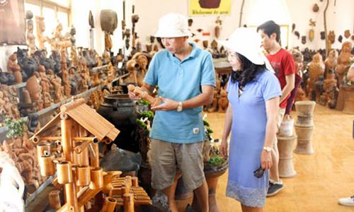 Hà Nội hỗ trợ xây dựng thương hiệu làng nghề năm 2017