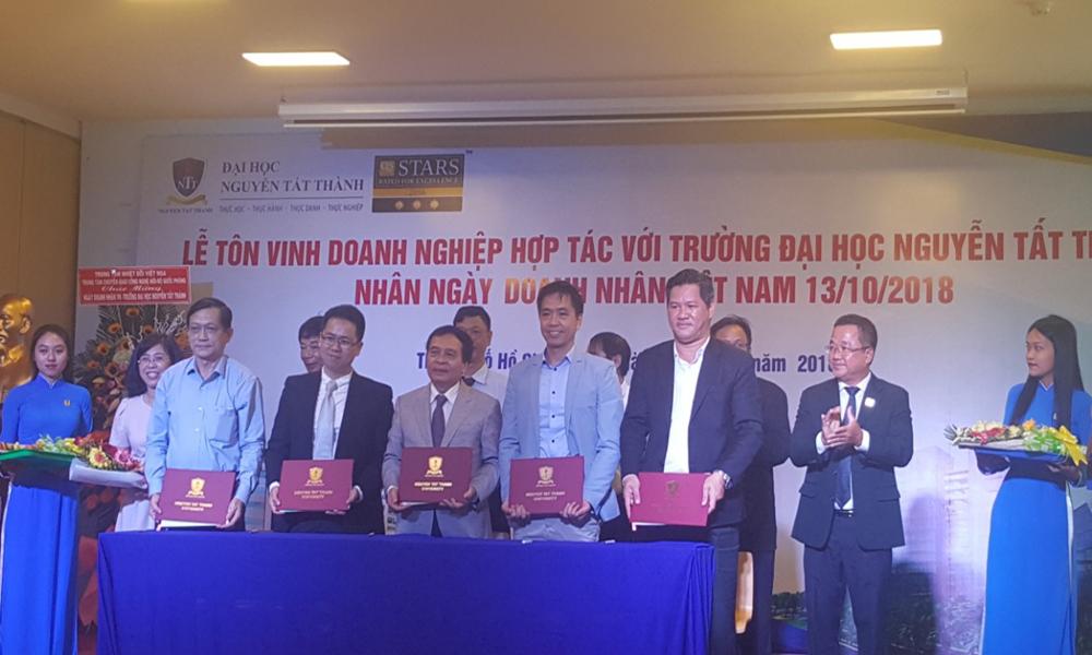 Các DN và Hội QC Tp.HCM ký kết thoả thuận hợp tác đào tạo, cung cấp nguồn nhân lực
