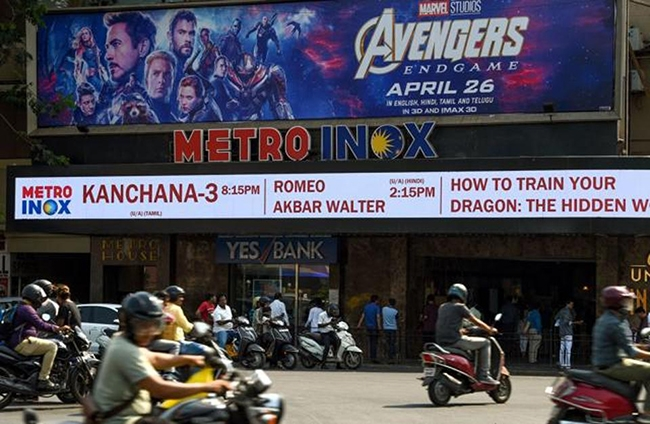 bom-tan-avengers-endgame-va-nhung-billboard-quang-cao-cuc-khung-18