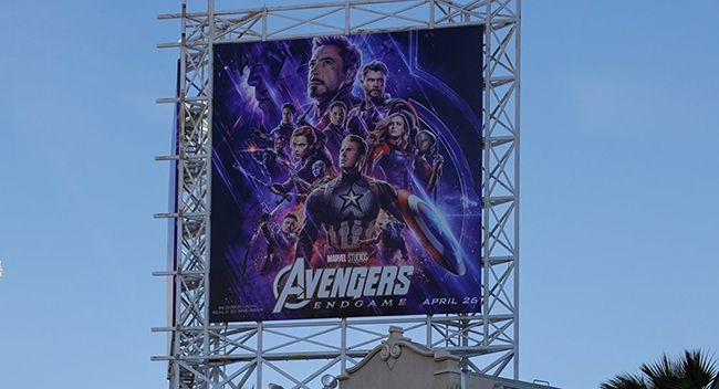 bom-tan-avengers-endgame-va-nhung-billboard-quang-cao-cuc-khung-19