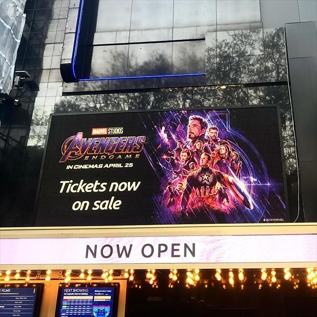 bom-tan-avengers-endgame-va-nhung-billboard-quang-cao-cuc-khung-20