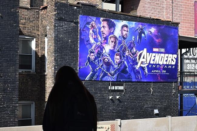 bom-tan-avengers-endgame-va-nhung-billboard-quang-cao-cuc-khung-21
