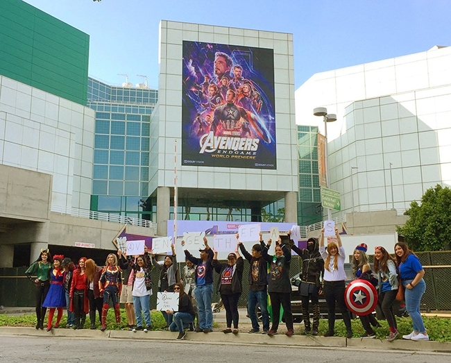 bom-tan-avengers-endgame-va-nhung-billboard-quang-cao-cuc-khung-22