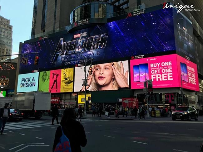 bom-tan-avengers-endgame-va-nhung-billboard-quang-cao-cuc-khung-23