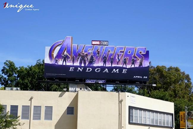 bom-tan-avengers-endgame-va-nhung-billboard-quang-cao-cuc-khung-5